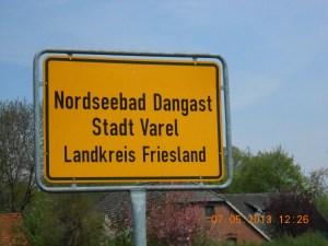 2013-05-07 - Dangast - Wakenews - 27 - Ortseingangsschild-2